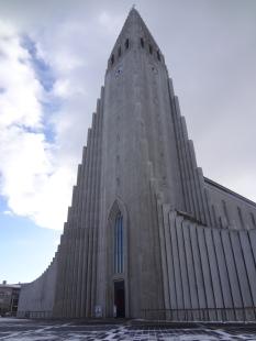 Front of Hallgrímskirkj