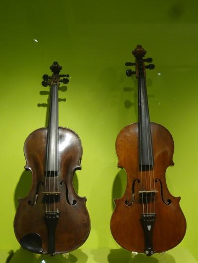 Viola, Francesco de Emiliani, 1748, Roma, ITALY. Viola, Jaoaquim jose Galrao, 1780, Lisbon, PORTUGAL.