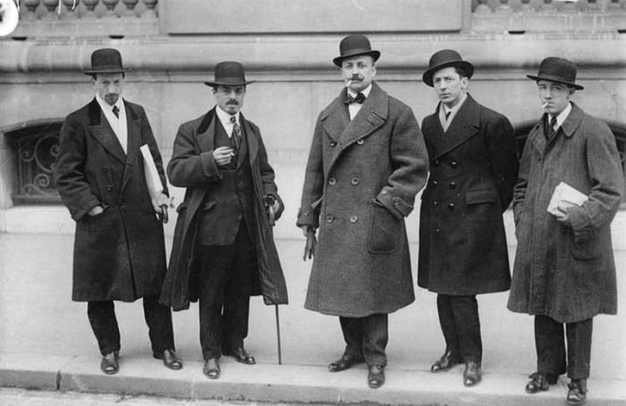 The Futurists - Left to right Luigi Russolo, Carlo Carrà, Filippo Tommaso Marinetti, Umberto Boccioni and Gino Severini in front of Le Figaro, Paris, February 9, 1912.