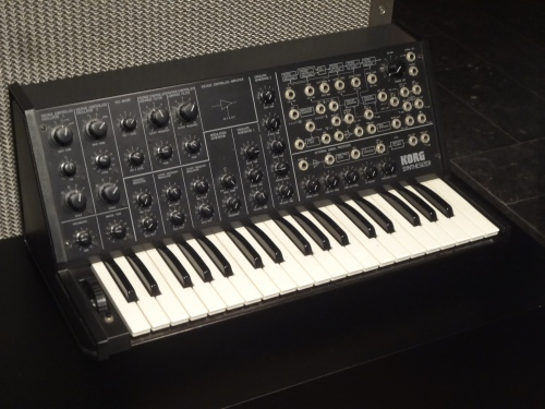 KORG MS 20 (Monophonique Synthesizer) Tokyo, Keio Electronic Laboratory Corporation.